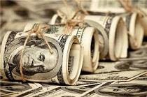 ازدحام مردم برای خرید دلار ۴۲۰۰ تومانی/ دلار فقط به متقاضیان قانونی