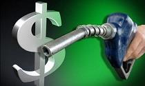 دولت و مجلس هیچ برنامه ایی برای گران شدن بنزین ندارند
