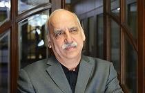 انتقاد عبده تبریزی از بازی دولت در بازار بدهی