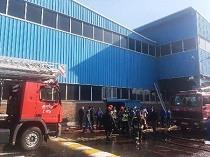 آتش سوزی سالن ضایعات ایران خودرو مهار شد